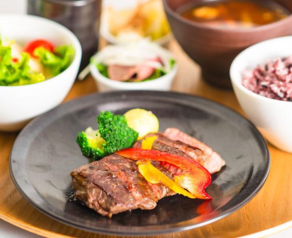 和風ステーキのご飯セット  1,880円