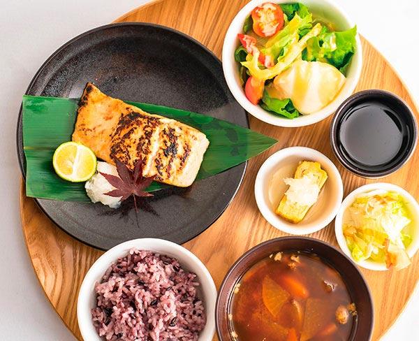 鮭の西京焼きセット  1,580円